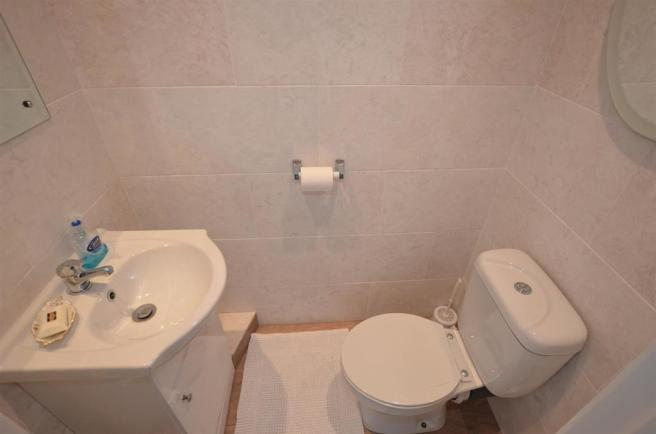 En Suite Cloak Room/WC