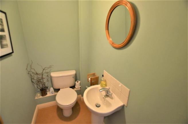 Guest Cloak Roon/WC
