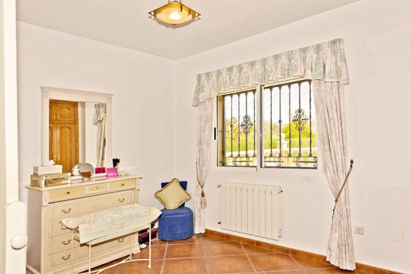 Dress Room / Bedroom