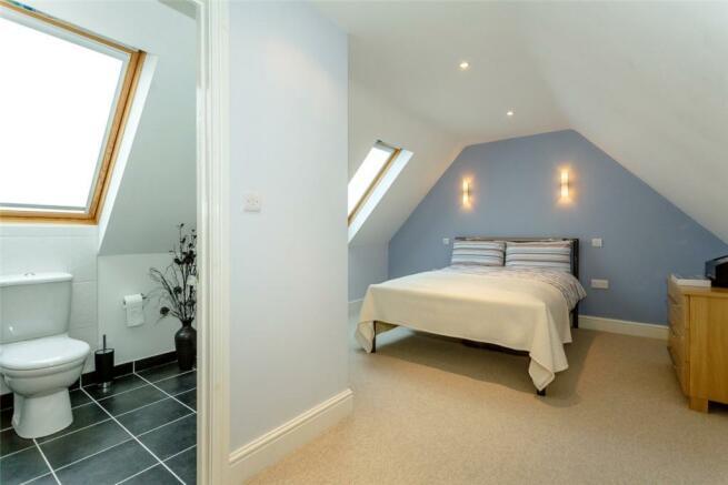 Bedroom & En Suite