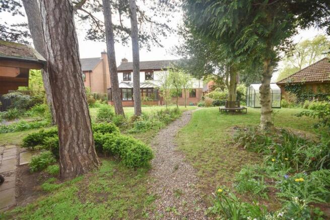 6 Edwalton Lodge (9).jpg