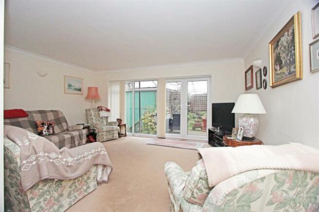 45a Lynmouth Drive lounge.jpg