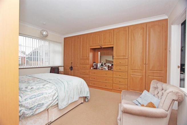 45a Lynmouth Drive Bed 1.jpg