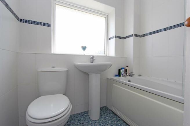 DTSalisburyRoad Bathroom.jpg