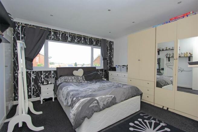 DTSalisburyRoad Bed1.jpg
