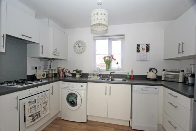 AbelynAveSL - Kitchen.jpg
