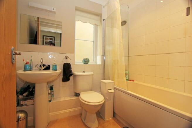 VictoriaMews-Bathroom.jpg