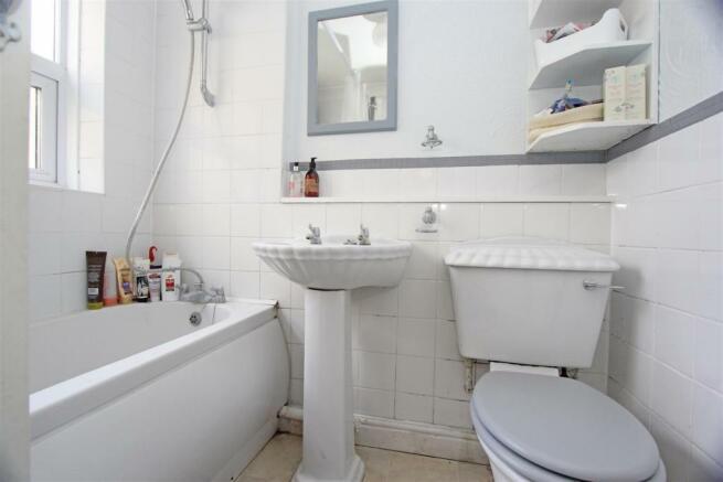 ED Cowper Road Bathroom.jpg