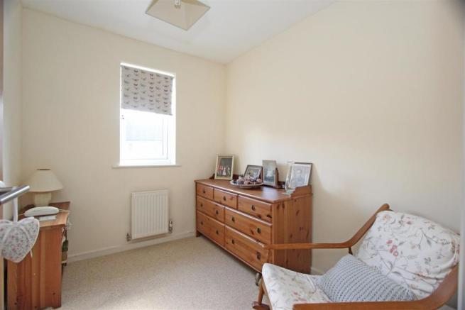Ed Mulberry Way - Bed3.jpg