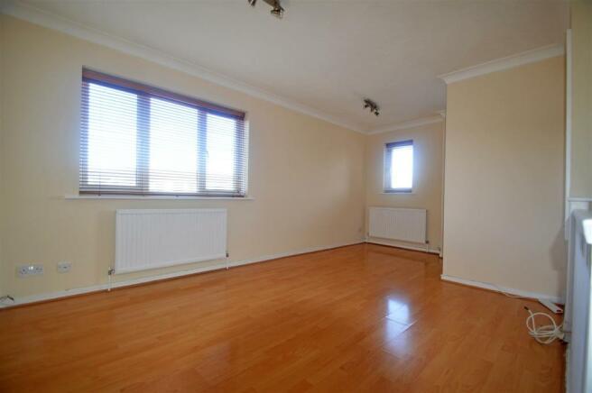 HarrierDriveCO - Living Room.jpg