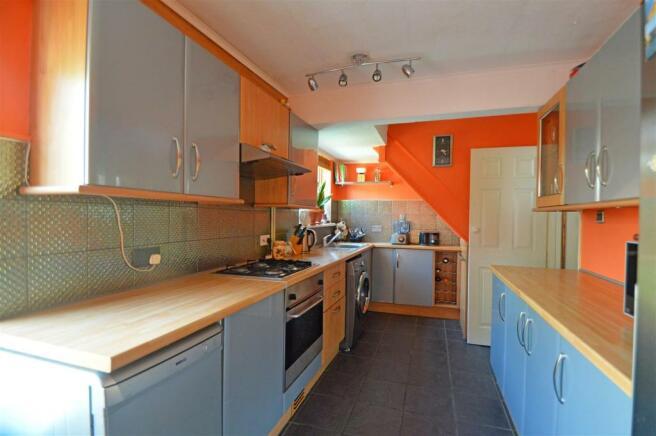 WatlingPlaceGU - Kitchen#.jpg
