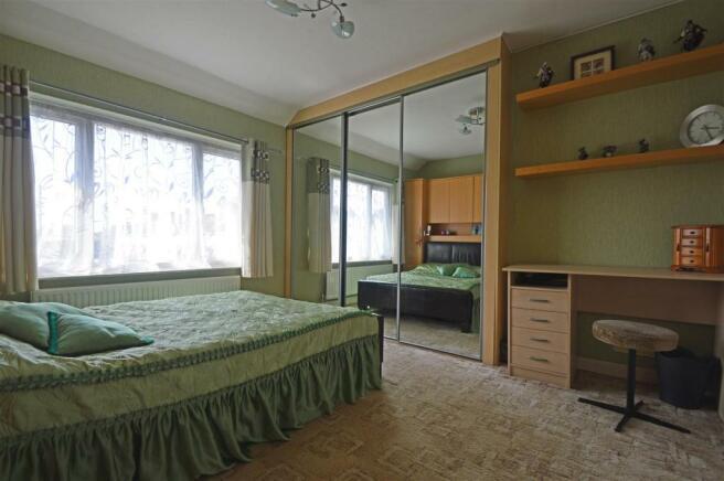 WatlingPlaceGU - BedroomOne.jpg