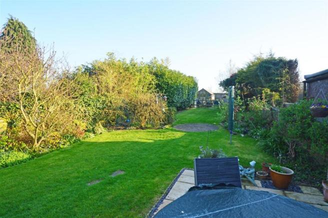 CanterburyRoadbY-garden1.jpg