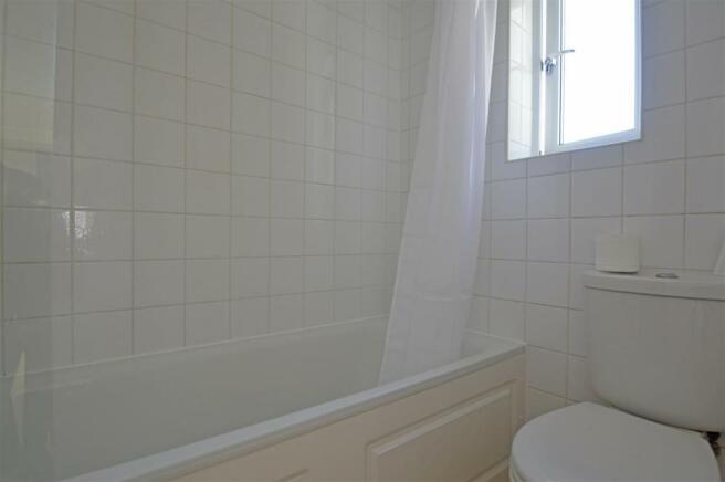 HaroldRoadJO-Bathroom.jpg