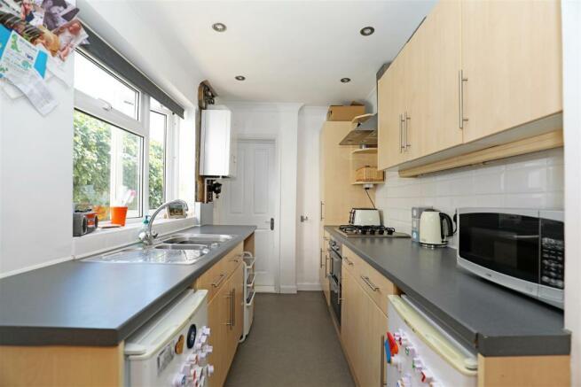 StaplehurstRdTIL-kitchen.jpg