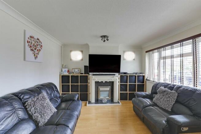 Lounge(1).jpg