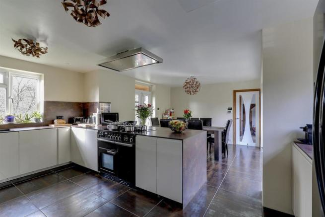 Kitchenc .jpg