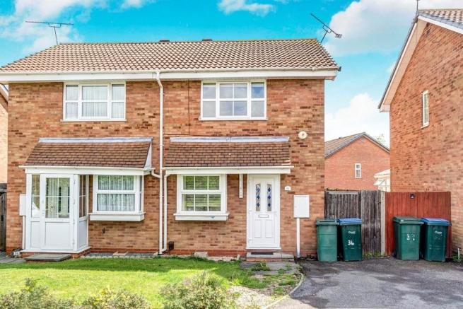 2 bedroom terraced house for sale in Stonefield Close
