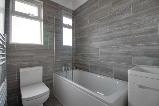 Flat 3 - Bathroom.jpg