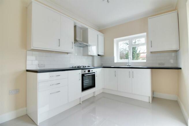 Flat 1 Kitchen.jpg
