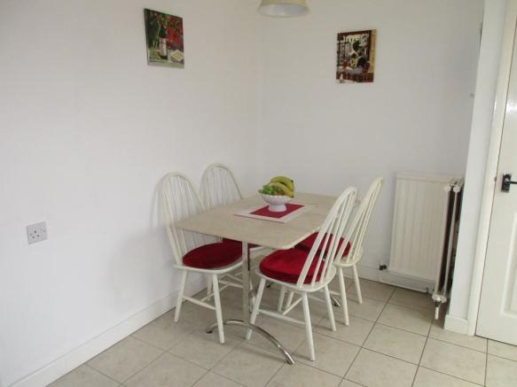 dining area of kitch