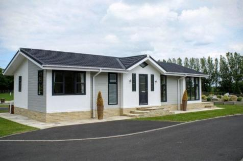 Houses for sale in Hutton Sessay