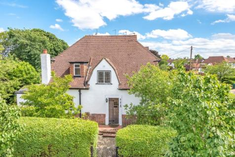 3 Bedroom Houses For Sale in Ashford, Surrey - Rightmove