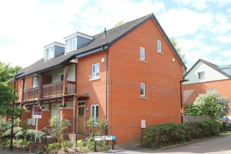 properties to rent in guildford flats houses to rent in rh rightmove co uk