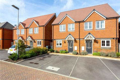 Properties For Sale in Wiltshire - Flats & Houses For Sale