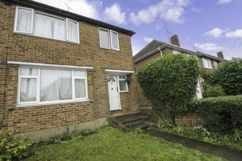 Amazing 3 Bedroom Houses To Rent In Luton Bedfordshire Rightmove Home Interior And Landscaping Pimpapssignezvosmurscom