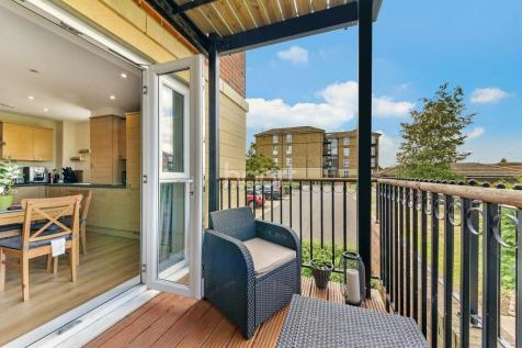 2 Bedroom Flats For Sale In Raynes Park South West London Rightmove