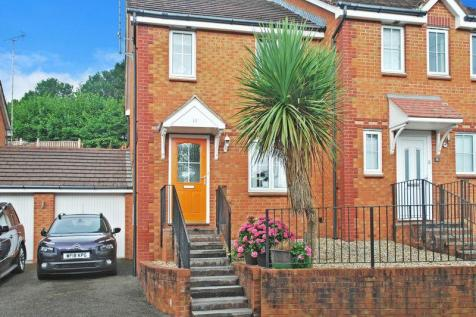Properties For Sale in Torquay - Flats & Houses For Sale in