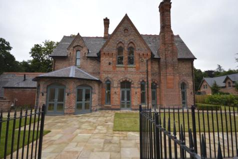 Local property information - Altrincham leisure centre swimming pool ...