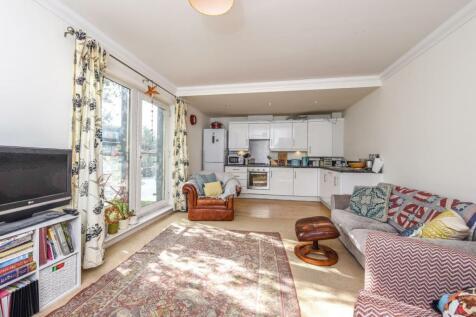 Properties To Rent in Weybridge - Flats & Houses To Rent in