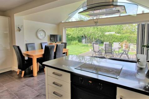 f6f4e51d5795 Properties For Sale in Chalfont St. Giles - Flats & Houses For Sale ...