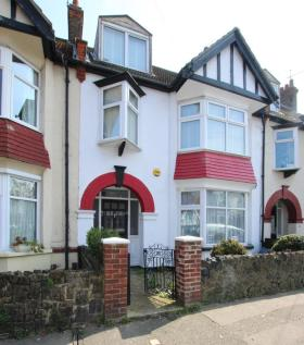 properties for sale in westcliff on sea flats houses for sale in rh rightmove co uk