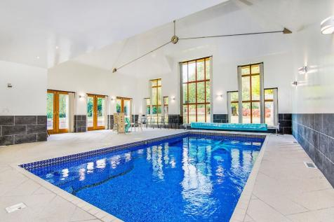5 Bedroom Houses For Sale In Hornchurch London Rightmove