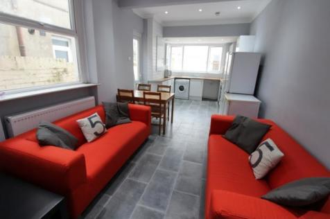 Bed Room Student Houses To Rent In Roath Cardiff