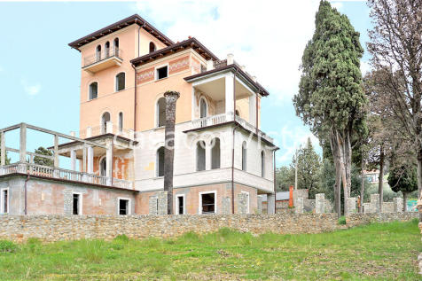 Property For Sale in Italy - Rightmove on ranch house designs, corner lot house designs, 2015 house designs, single slant roof house plans, modern split level home designs, tri-level house designs, vaulted ceiling house designs, bungalow house designs, single level marketing, split floor plan house designs, bi-level house designs, great room house designs, stone front house designs, workshop house designs, house house designs, single level home, single level building, 2000 sq ft. house designs, single level interior design ideas, single level garage,