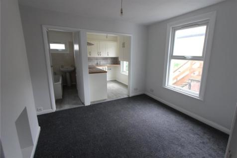 2 Bedroom Flats To Rent in Southend-On-Sea, Essex - Rightmove