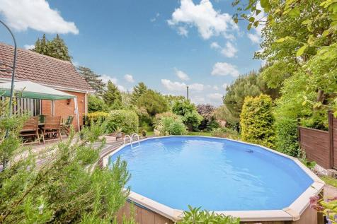 Properties For Sale in Burton Joyce - Flats & Houses For