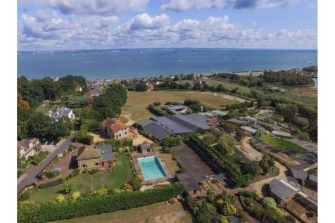 Properties For Sale in Isle Of Wight - Flats & Houses For