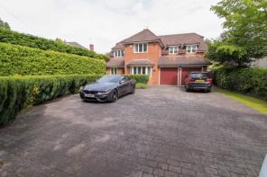 Detached Houses For Sale in Cheadle Hulme, Cheadle, Cheshire
