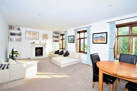 2 Bedroom Flats For Sale in South Norwood, South East London