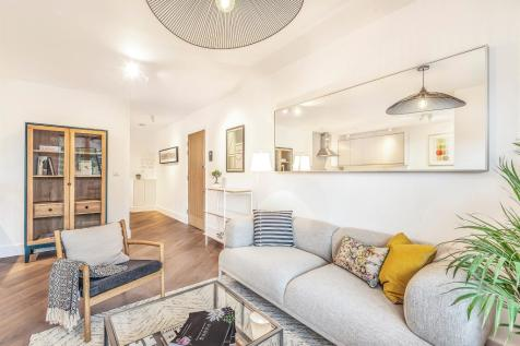 Properties For Sale In Raynes Park Flats Houses For Sale In