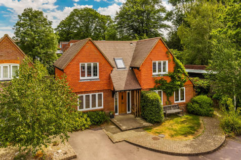 Hamptons Haslemere Property For Sale