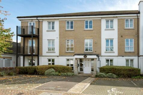 2 bedroom flats to rent in woking, surrey - rightmove