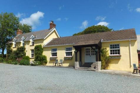 Properties For Sale in Walwyns Castle - Flats & Houses For