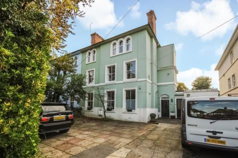 3 Bedroom Flats For Sale In Pinner Middle