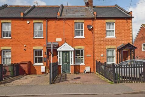 2 Bedroom Houses For Sale in Homestead, Billericay, Essex